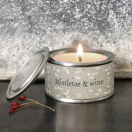 'Mistletoe & Wine' Christmas Candle