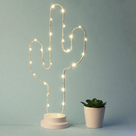Freestanding Wire LED Cactus Light