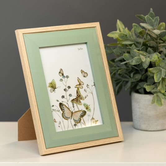 Light Wood & Olive Green Bevelled 5x7 Frame