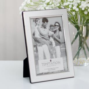 Temptation Silver-Plated Thick Bobbled Edge Frame 6x4