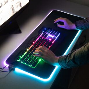 Red5 Zeta Light Up Gaming Mouse Pad – Extra Large