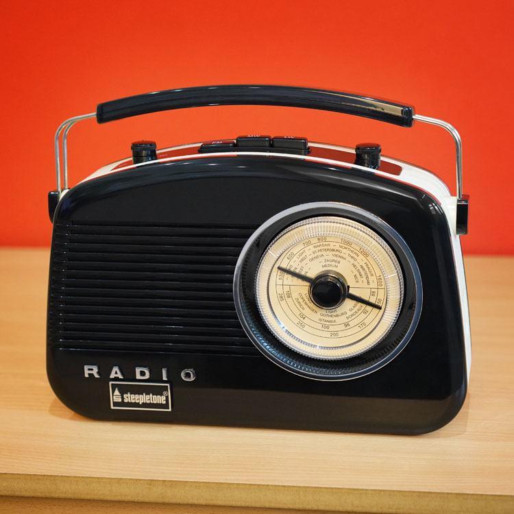 Steepletone Brighton Retro Style 3 Band Analogue Radio in Black