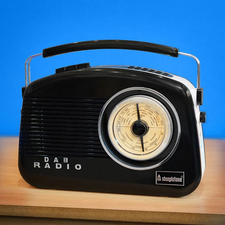 Steepletone Dorset Retro Style DAB Radio in Black